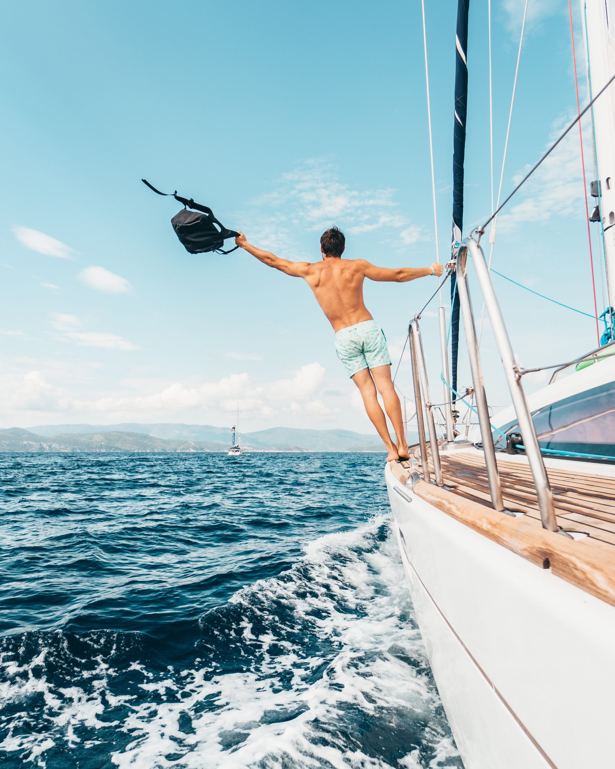 #295 Happiness – Finding Happiness by Sailing Through Life